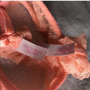 Victoria's Secret Intimates & Sleepwear - NWOT Victoria's Secret Angels unlined Demi 34B